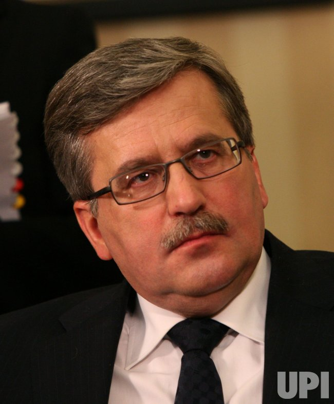 Obama meets with Polish President Komorowski at White House