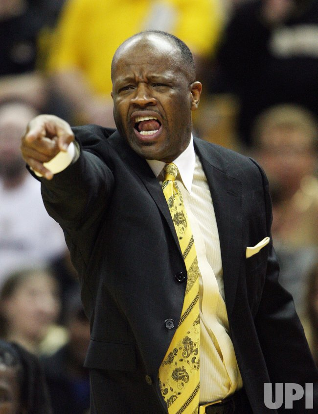 Missouri Tigers head basketball coach to stay put