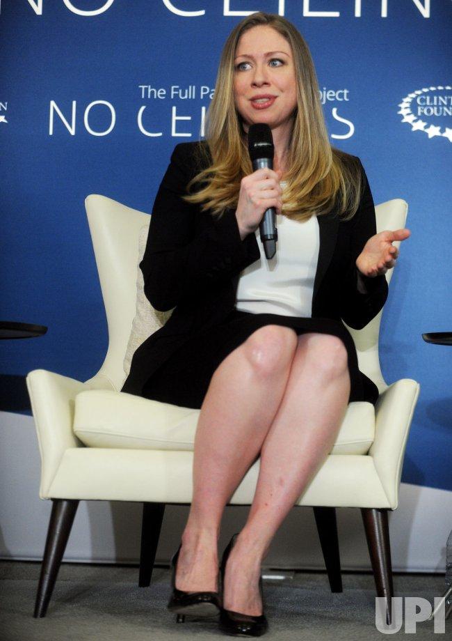 Chelsea Clinton announces that she is pregnant
