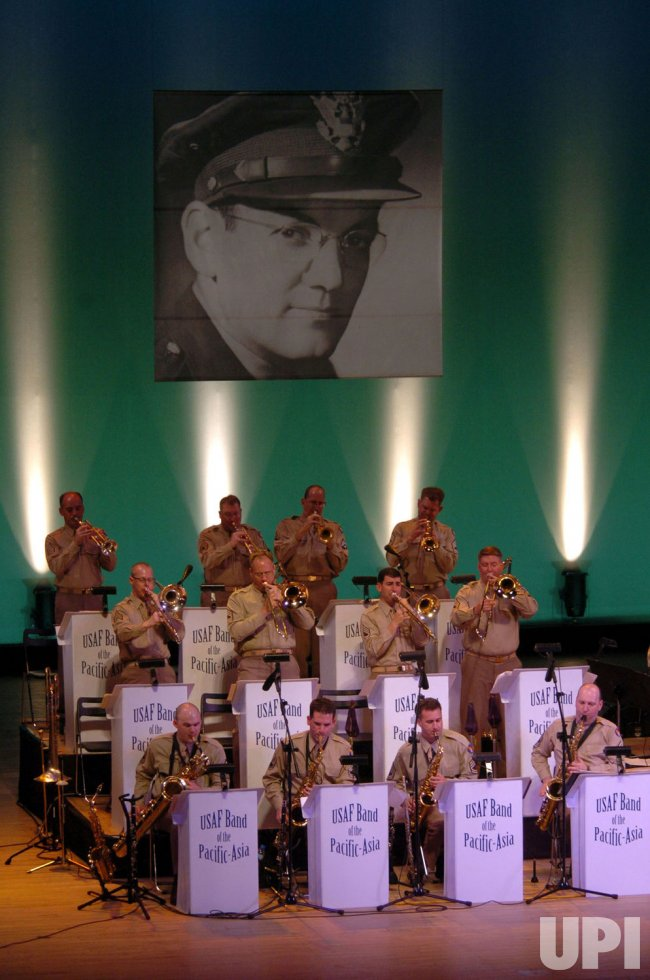 AIR FORCE BAND IN HIROSHIMA