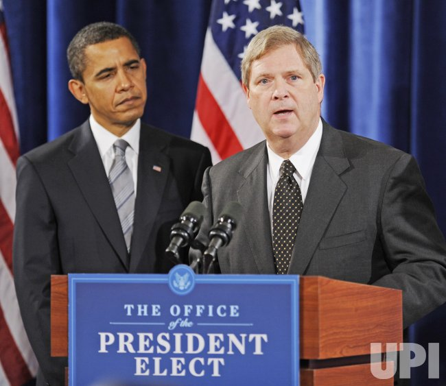 Obama Appoints Vilsack as Agriculture Secretary and Salazar as Interior Secretary in Chicago