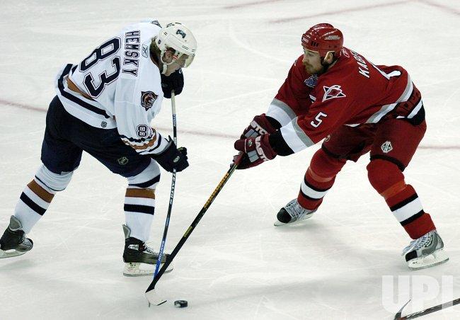 NHL EDMONTON OILERS VS CAROLINA HURRICANES