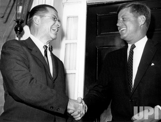 PRESIDENT JOHN F. KENNEDY AND DEFENSE SECRETARY ROBERT MCNAMARA