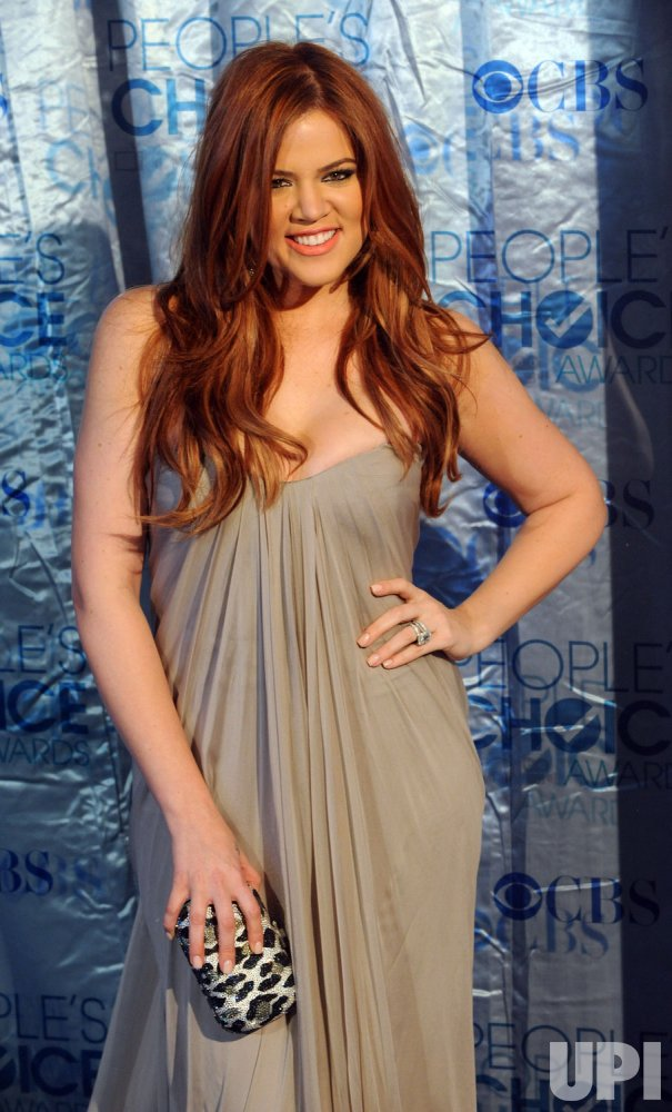 Khloe Kardashian arrives at the People's Choice Awards in Los Angeles
