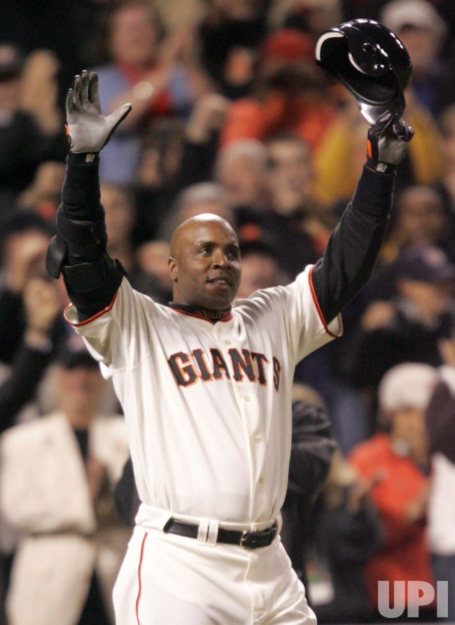 BARRY BONDS INDICTED BY FEDERAL GRAND JURY