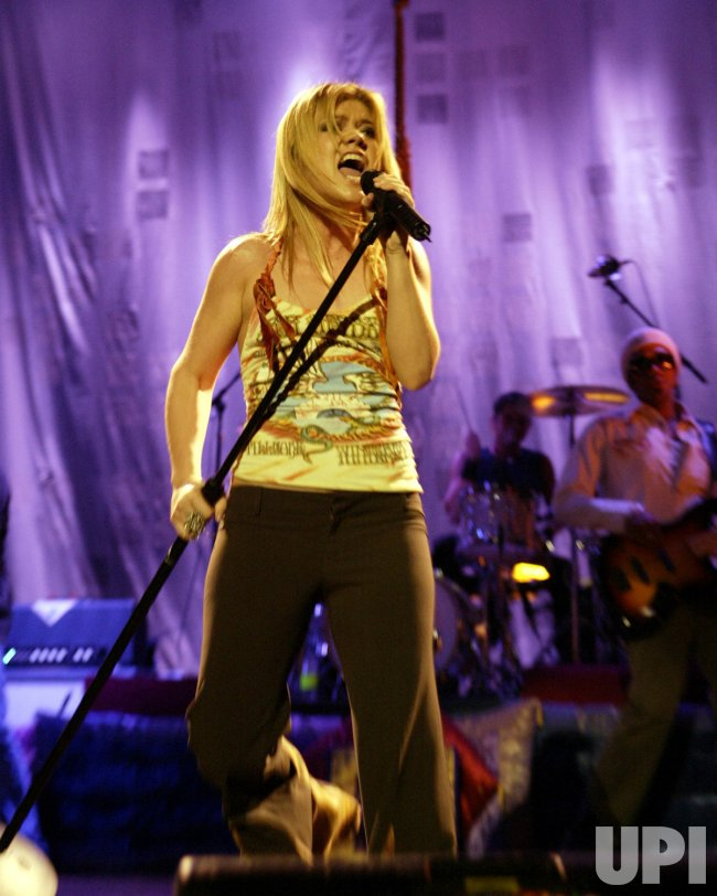 KELLY CLARKSON IN CONCERT