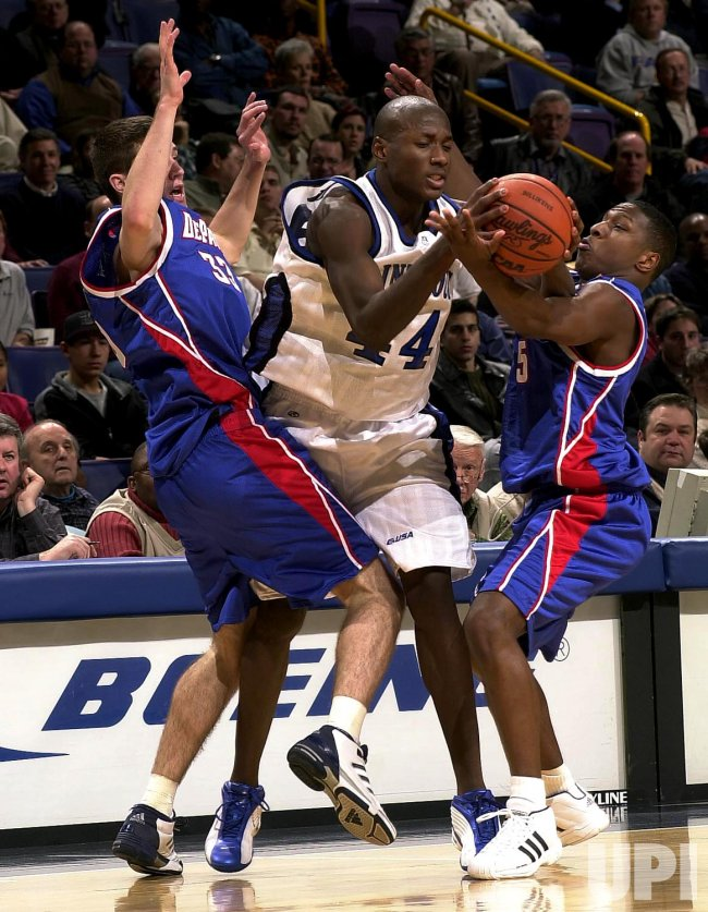 DePaul Blue Demons vs. St. Louis Billikens Basketball