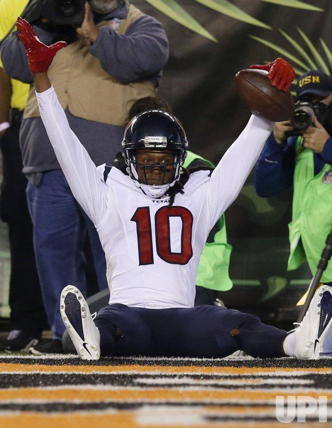 Texans DeAndre Hopkins celebrates his touchdown catch