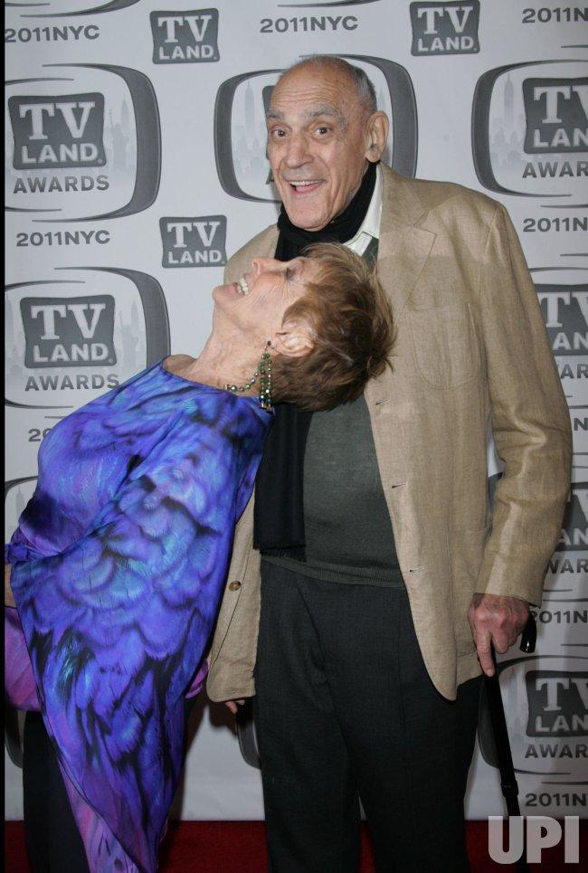 Abe Vigoda and Chloris Leachman arrive for the TV Land Awards in New York