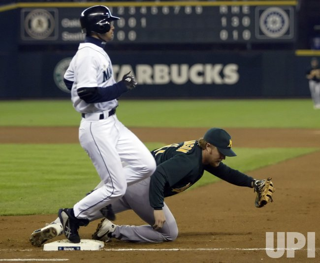 OAKLAND ATHLETICS SEATTLE MARINERS