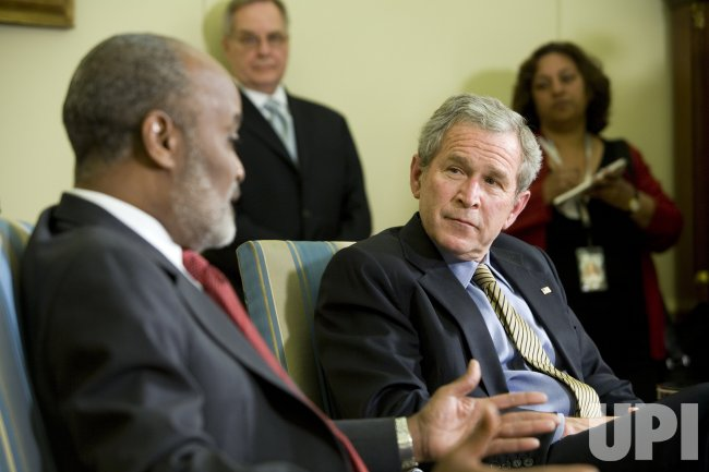 U.S. PRESIDENT BUSH MEETS WITH HAITIAN PRESIDENT PREVAL IN WASHINGTON