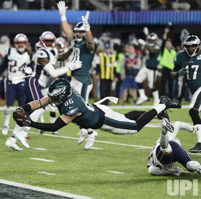 4b2133362ea Eagles  Zach Ertz dives into end zone with TD during Super Bowl LII in  Minneapolis
