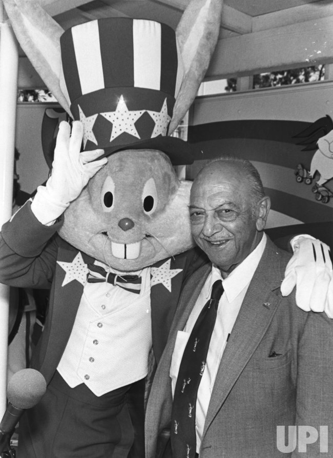 Mel Blanc, the voice behind Bugs Bunny and other Looney Tunes cartoon characters