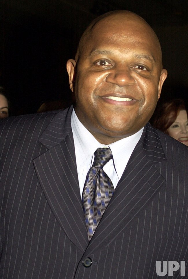 Charles Dutton honored by the Drama League
