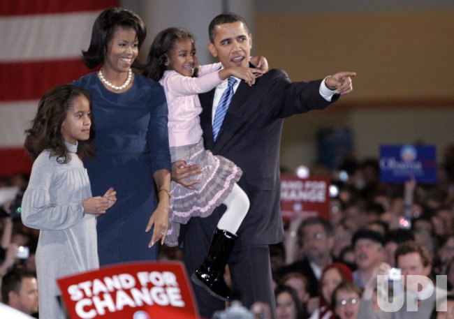 Barack Obama campaigns in Des Moines, Iowa