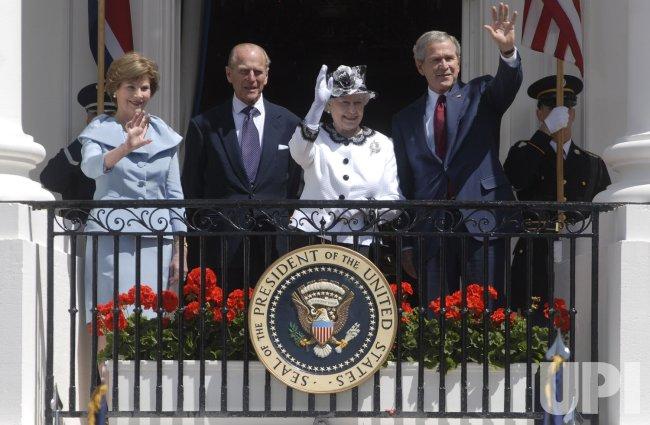 QUEEN ELIZABETH II ARRIVAL CEREMONY IN WASHINGTON