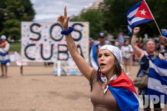 Cubans Protest Lack of Freedom and Worsening economy in Front of the White House