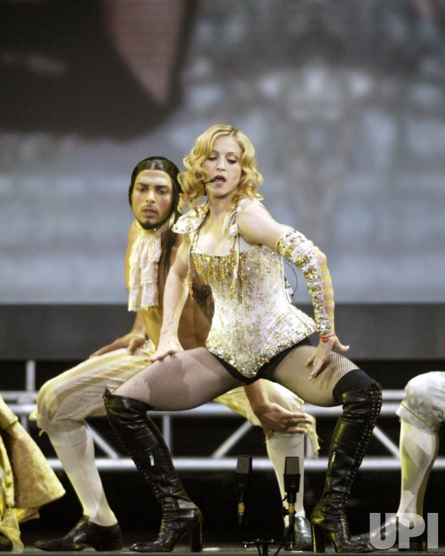 MADONNA REINVENTION TOUR CONCERT
