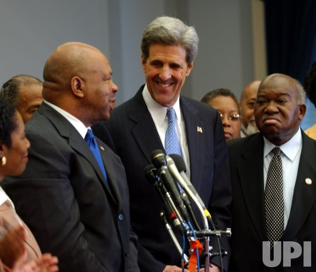 KERRY MEETS WITH BLACK CAUCUS