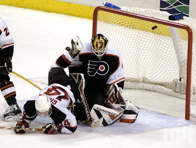 NEW JERSEY DEVILS AND PHILADELPHIA FLYERS IN NHL ICE HOCKEY