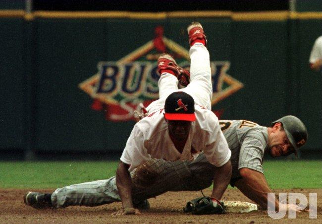 St. Louis Cardinals vs Pittsburgh Pirates baseball