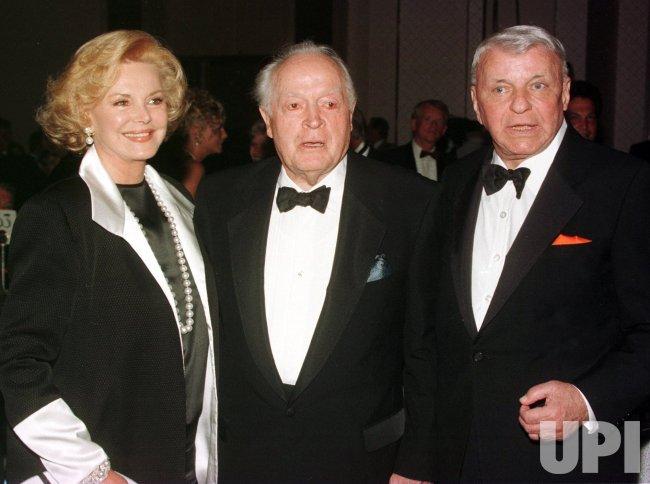 Frank Sinatra dead at 82.