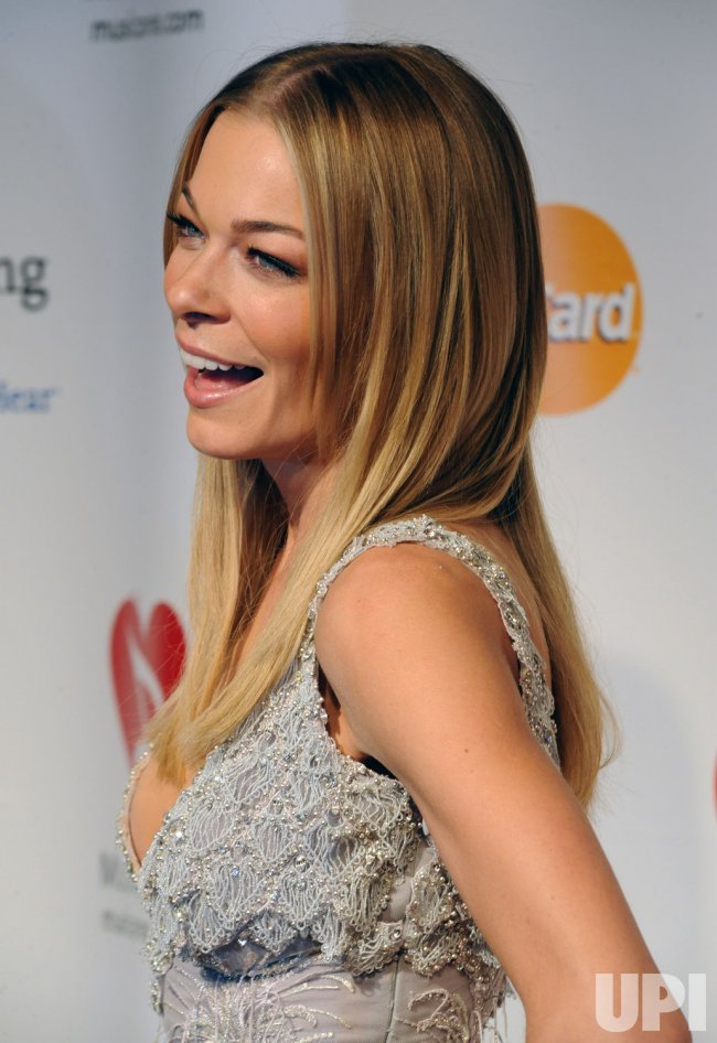 LeAnn Rimes arrives at the MusiCares Person of the Year tribute in Los Angeles
