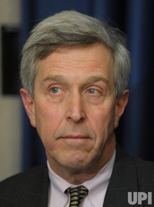 Health Secretary updates H1N1 flu situation in Washington