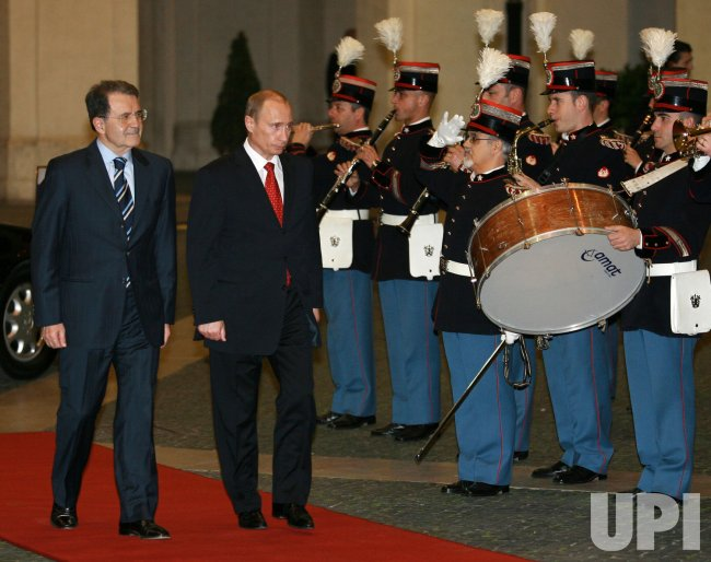 RUSSIAN PRESIDENT PUTIN MEETS WITH ITALIAN PREMIER PRODI IN ROME