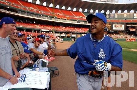 Los Angeles Dodgers vs St. Louis Cardinals baseball