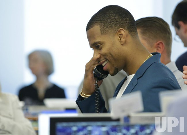 Victor Cruz at the BTIG Commissions for Charity Day