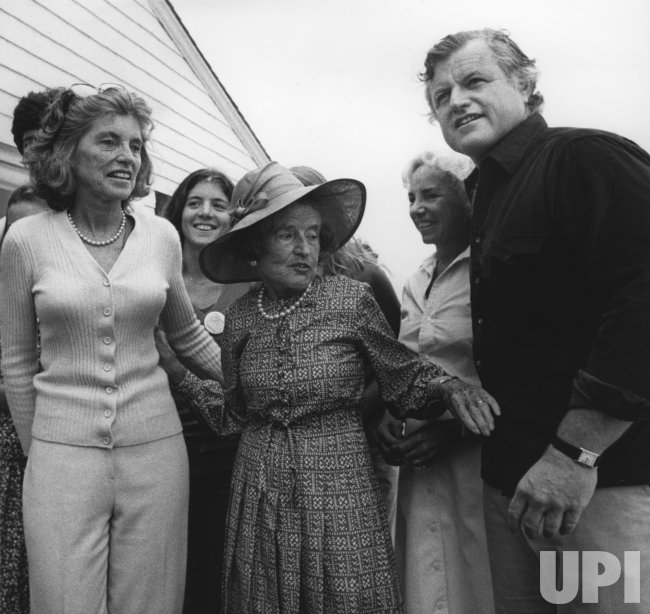 Kennedy family members at a clambake-fundraiser for the Ted Kennedy re-election campaign