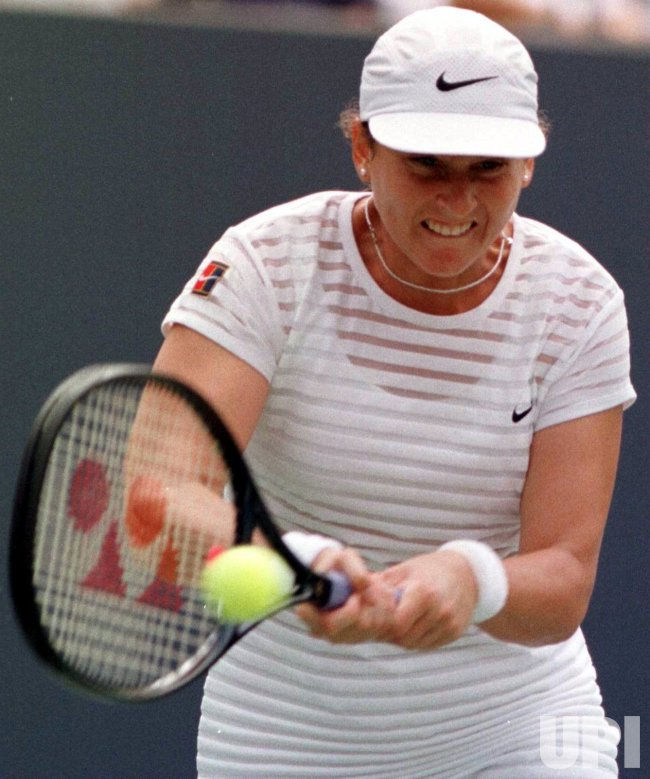 U.S. OPEN 98--6th seed Monica Seles wins 2nd round match