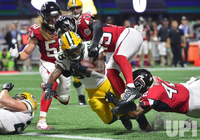 Packers' Ty Montgomery scores touchdown against Falcons