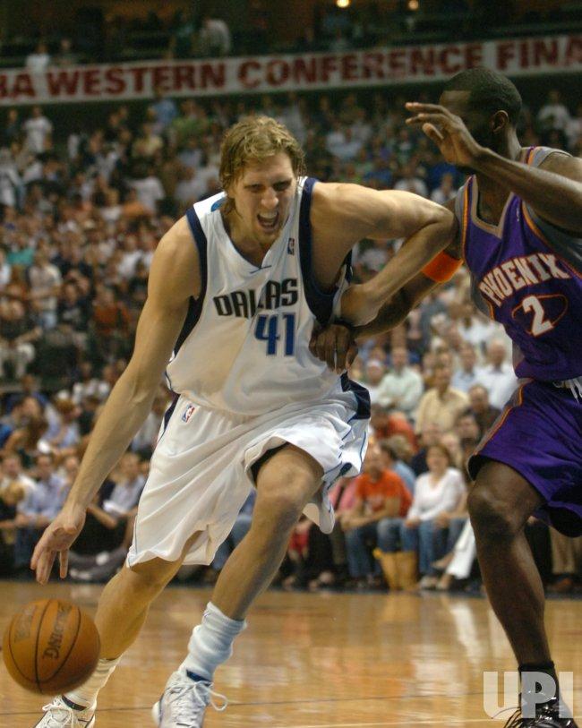 NBA PLAYOFFS-DALLAS MAVERICKS-PHOENIX SUNS
