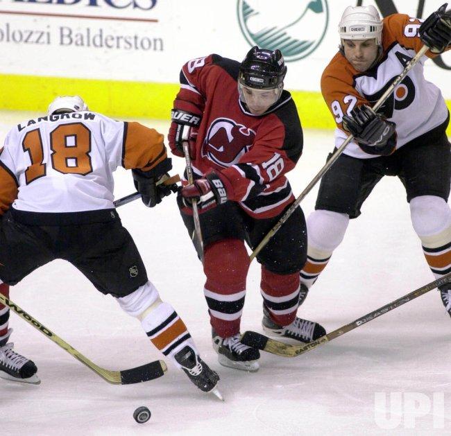 watch f5d1e bdf0d New Jersey Devils at Philadelphia Flyers Hockey - UPI.com