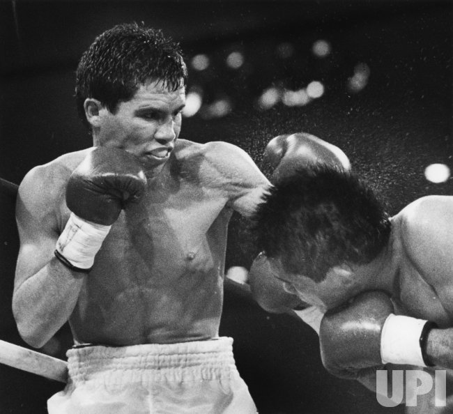 Jose Luis Ramirez loses against Julio Cesar Chavez
