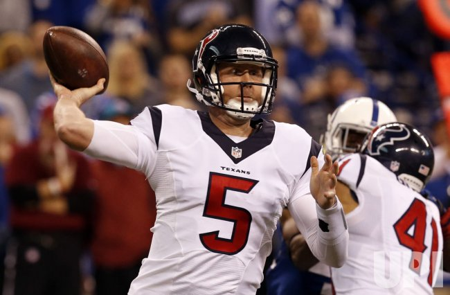 Texans QB Brandon Weeden throws under pressure