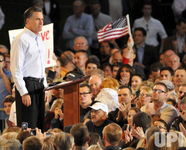 Mitt Romney speaks in Mesa, Arizona