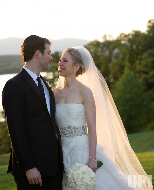 Chelsea Clinton Weds Marc Mezvinsky in New York