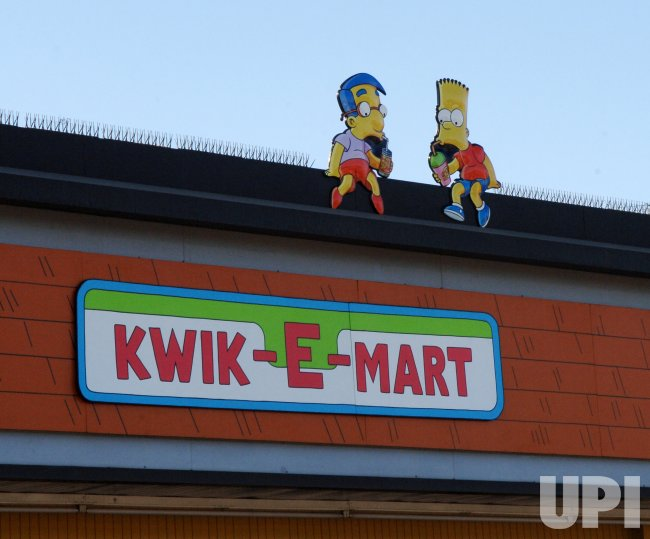 7-ELELVEN CONVERTS CONVERTS TWO STORES TO KWIK-E-MARTS FOR SIMPSON PROMO IN LOS ANGELES