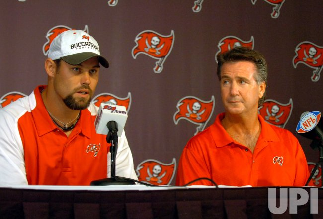 TAMPA BAY BUCCANEERS' MIKE ALSTOTT OUT FOR 2007 SEASON