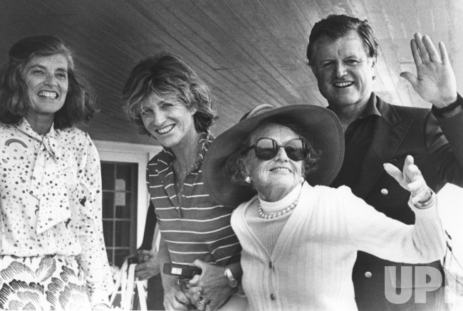 Rose Kennedy and family make appearance at the Kennedy Ccompound