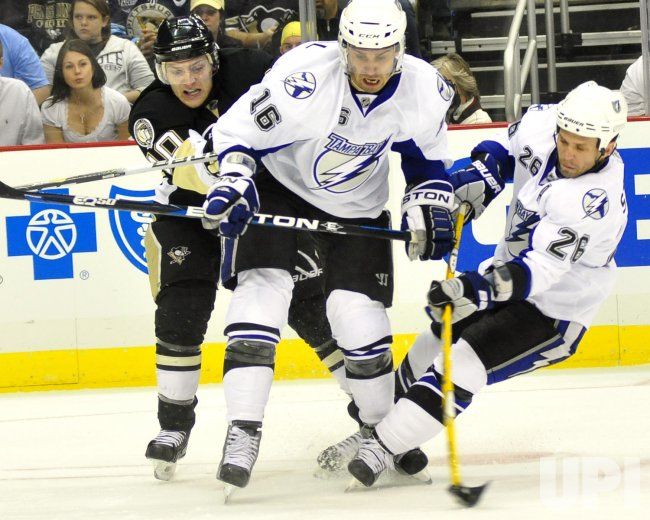 Tampa Bay Lighting Players Collide in 3-0 Pens Win in Pittsburgh