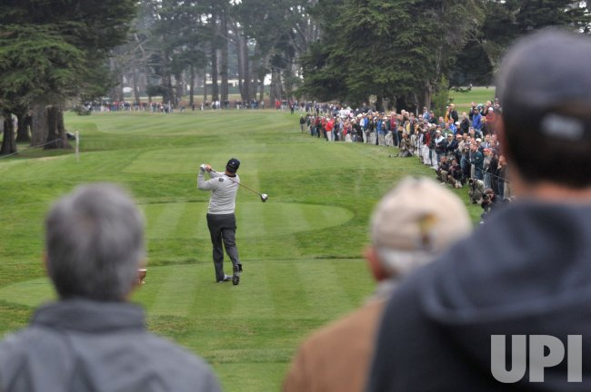 Kenny Perry drives during the third round of the 2009 Presidents Cup in San Francisco