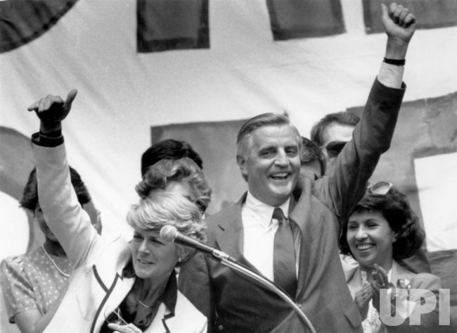 Mondale may replace Wellstone for Senate