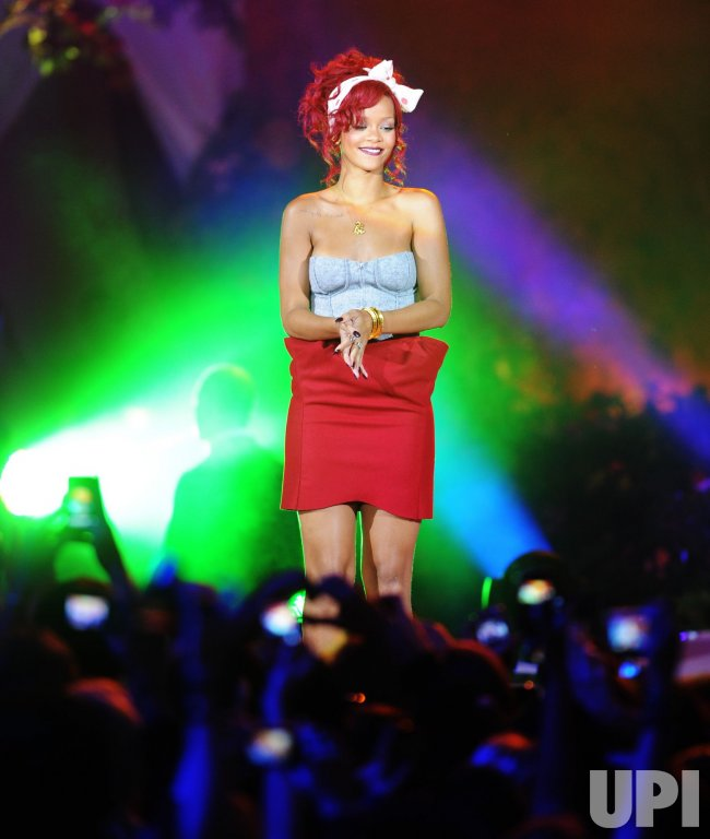 Rihanna launches Christmas lights in London