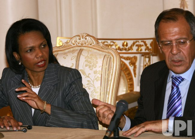 SECRETARY RICE MEETS WITH RUSSIAN FOREIGN MINISTER LAVROV IN MOSCOW