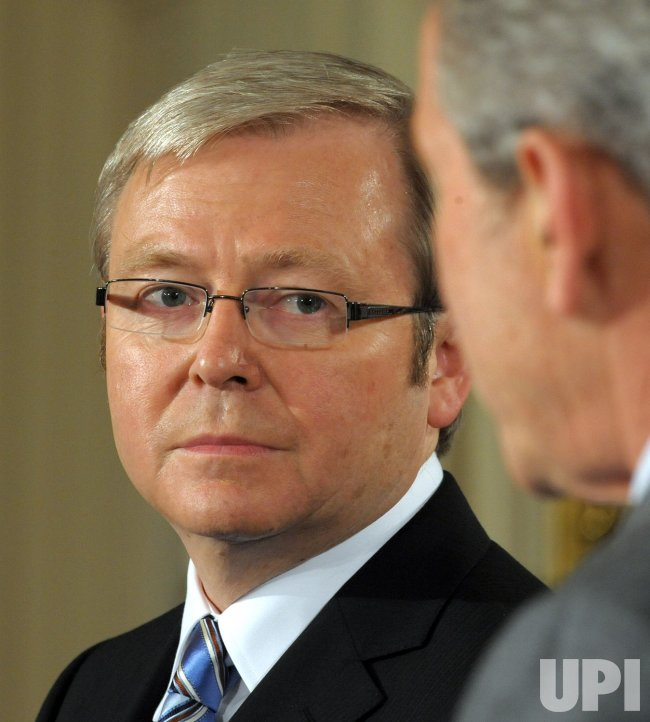 Bush meets with Australia's Rudd at White House