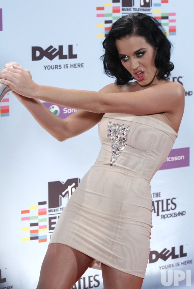 Katy Perry arrives backstage at the MTV Europe Music Awards